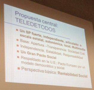 #cicom30tv Enrique Bustamente presenta la propuesta de @Teledetodos para la televisión pública, tb autonómica